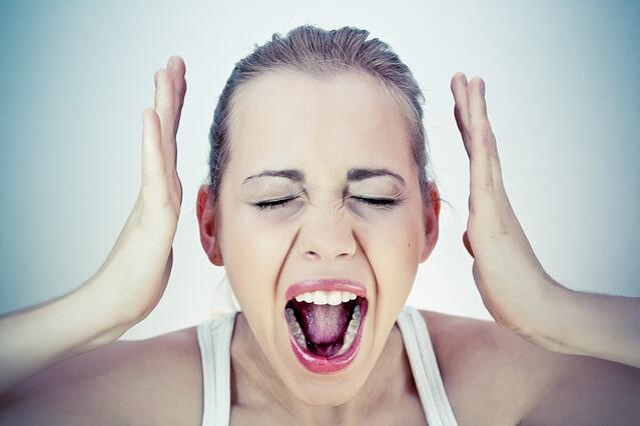 How to Avoid Customer Complaints - Where LIMS Can Help-645618-edited.jpg